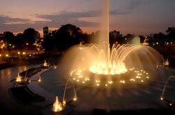 Lima por la noche y circuito mágico del circuito del agua