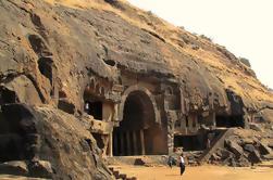 Excursão privada: Cavernas de Kanheri, cavernas de Elephanta ou cavernas de Karla e de Bhaja de Mumbai