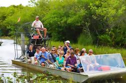Viaje de medio día a los Everglades con paseo en bote y salón de vida silvestre