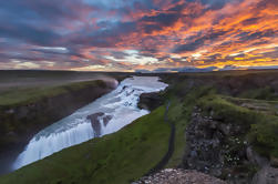 Golden Circle Tour y Evening Northern Lights Crucero desde Reykjavik