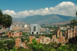 Tour de la ciudad de Medellín con almuerzo opcional y paseo en góndola Metrocable