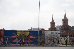 Private Modern Berlin Walking Tour: una nueva y divertida, vibrante y emocionante nueva capital alemana