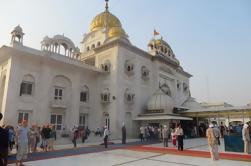 Excursión de medio día a Connaught Place incluyendo el Templo de Hanuman, Bangla Sahib y la Puerta de la India