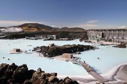 3 días de senderismo y Hot Springs Tour de aventura de invierno de Reykjavik incluyendo Golden Circle y Blue Lagoon