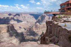 Excursión de un día al borde oeste del Gran Cañón del Grupo Pequeño desde Las Vegas