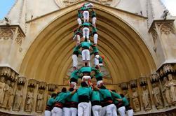 Excursión de medio día a la Cultura Catalana desde Barcelona: Cata de Vino y Cava y Festival de la Torre Humana