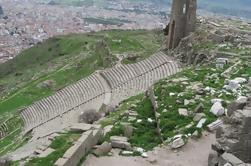 Pergamum Acropolis e Asclepion Tour de Dikili Port com Private Guide