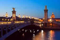 Excursión a pie por la noche en París