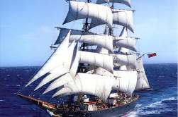 Sydney's Tall Ship Sailing Adventure op James Craig