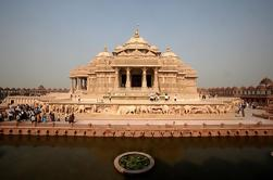 Tour Privado: Templo de Akshardham y Sitios Espirituales de Delhi Central