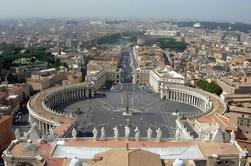 Papal Audience with Hotel Pickup and Tour Escort-Led Papacy Discussion