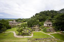 Palenque archeologische vindplaats Day Trip van Air uit