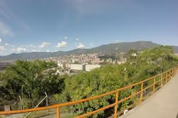 Tour combinado de la ciudad de Medellín, incluyendo arte de calle y comida