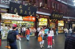 Cena china con ERA-Intersección del tiempo Acrobatic Show en Shanghai