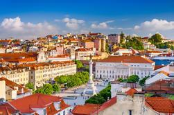 Experiência em Lisboa: Excursão a pé em pequenos grupos com degustações de comida e vinho