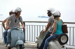Tour Privado: Tour de Degustación de Comida en Nápoles por Vintage Vespa