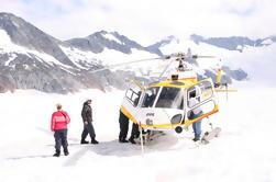 Juneau Shore Exkursion: Hubschrauber Tour und Dogsledding Erfahrung