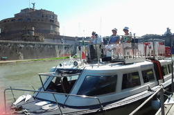 Civitavecchia Shore Excursion: Traslados privados y Hop-On Hop-Off autobús de dos pisos y crucero por el río
