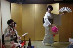 Geisha Party con cena y sake en casa privada