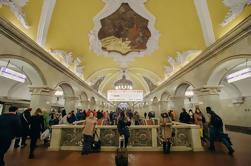 Excursão suburbana do grupo do metro de Moscovo