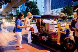 Pequeño grupo de Bangkok Tour de la Alimentación por la noche, incluyendo Tuk-Tuk Ride