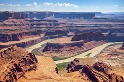 Parque Nacional de Canyonlands Rim Trail blanco en 4x4