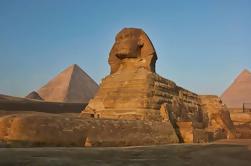Tour a El Cairo y las pirámides de Hurghada en vehículo privado
