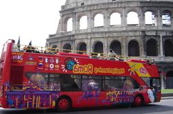 Excursão turística em Hop-On Hop-Off em Roma