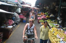 Backstreets da excursão da bicicleta de Banguecoque