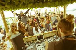 Bar de fiesta de Ibiza incluyendo barra abierta