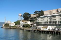 Tour Nacional de los Tesoros de San Francisco: Alcatraz y Muir Woods más Madame Tussaud o la mazmorra