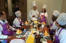 Pequeño grupo de visitas al Centro de Investigación y Crianza de Panda Gigantes y Cocina de Sichuan Cocina