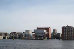 Tour Privado: Canales de Amsterdam y el puerto a Zaan River y Zaanse Schans Day Tour
