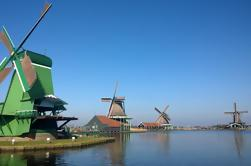 Excursão de um dia em grupo pequeno a Zaanse Schans including o almoço dos Pancakes de Amsterdão