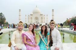 Tour privado: Excursión de un día a Agra desde Delhi con Taj Mahal Tour en auténtico vestido indio