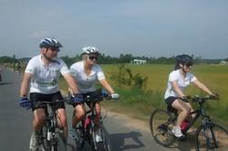 Excursión en bicicleta de medio día de Ho Chi Minh City incluyendo túneles de Cu Chi