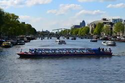 Crucero por el Canal de la Ciudad de Amsterdam y Entrada a la Exposición de Galería de Retrato en el Museo Hermitage