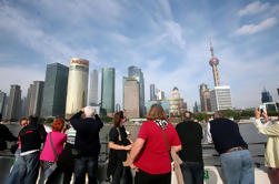 Private Shanghai Day Tour: Museo de Shanghai, Jardín Yuyuan, El Bund y crucero por el río Huangpu