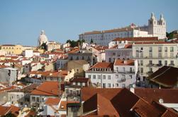 Excursão a pé de 4 horas em pequeno grupo em Lisboa, incluindo o eléctrico 28