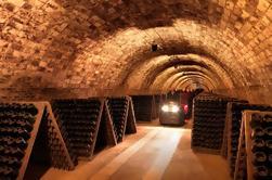 El Montserrat y Codorniu Wine Cellars Tour en Barcelona