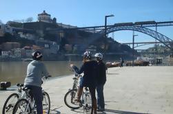 Passeio nocturno de bicicleta do Porto