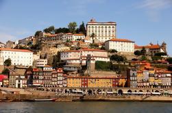 Porto City Tour Meio Dia com Jantar e Fado Show ao vivo
