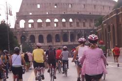 Tour Privado de la Roma Antigua en Bicicleta incluyendo Paseo de la Coliseo de la Línea y Entradas del Baño de Caracalla