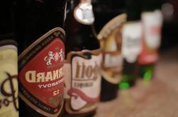 Degustação de cerveja checa emparelhado com queijo e biscoitos em Praga