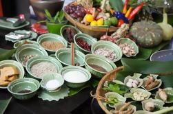 Excursão privada: aula de culinária tailandesa, incluindo passeio de barco panorâmico, visita ao mercado e almoço