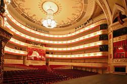 Experiência de Ballet Russo incluindo Private Talk com Prima Ballerina, Foto com as bailarinas russas e Backstage Tour do Teatro Imperial