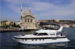 Privato: Romantico crociera serale sul Bosforo sul vostro yacht