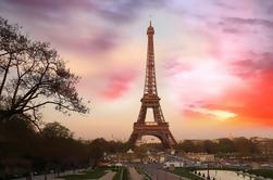 Acceso Prioritario a la Cumbre de la Torre Eiffel con el Host