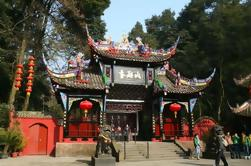 One-Day Private All-Inclusive Tour of World Heritage Sites: Mount Qingcheng and Dujiangyan