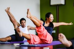 Paquete de 2 horas de yoga y terapia de masaje, incluyendo comida de 2 platos